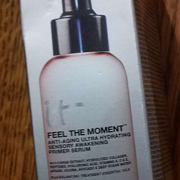 it cosmetics Other - It cosmetics- Feel the Moment Primer